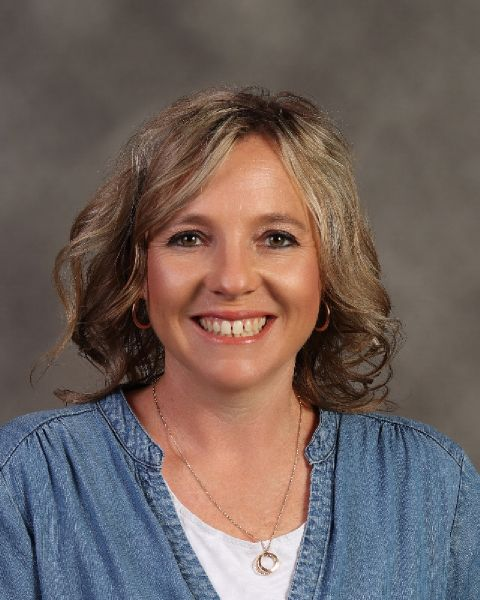 Lacie Hughes : Media Assistant