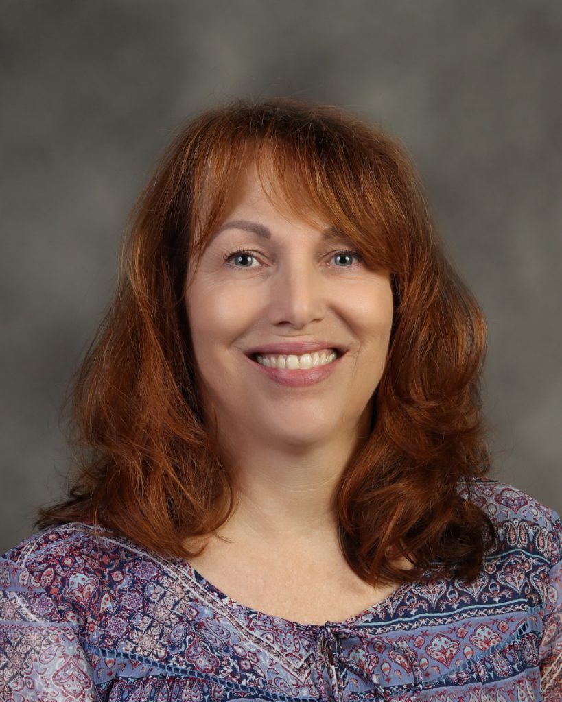 Lori Rea : Registrar