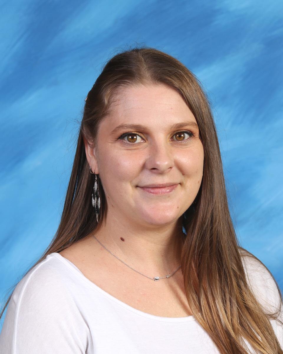 Justina Arvig : Theater/Film Teacher