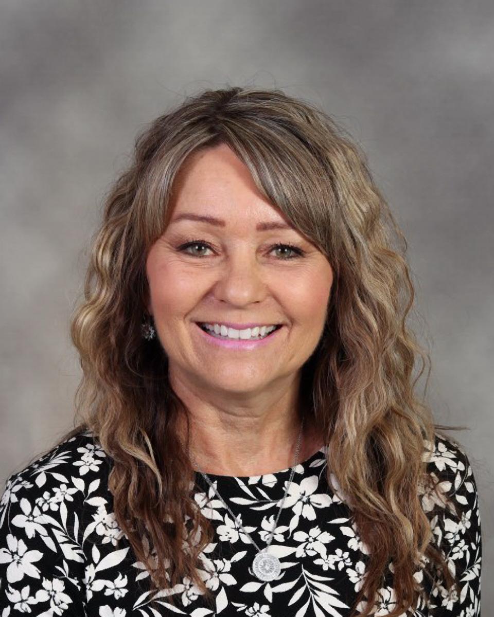 Deanne Benware : Second Grade Teacher