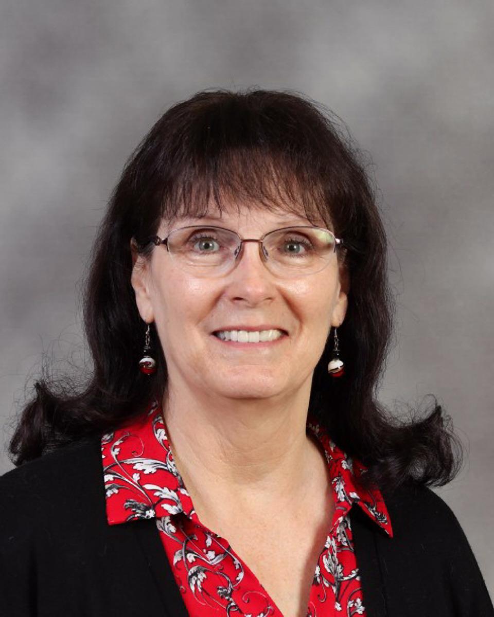 Ellen Mildenhall : Third Grade Teacher