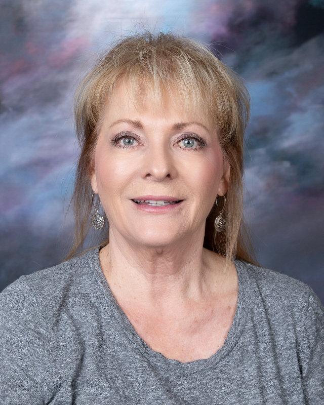 Jackie Heath : LIBRARY SPECIALIST