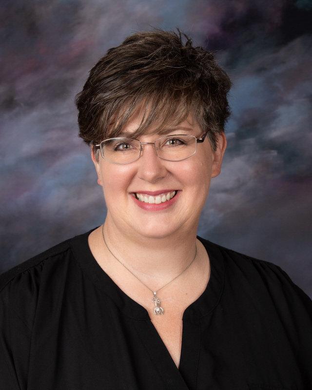 Tonya Jesienouski : Counselor
