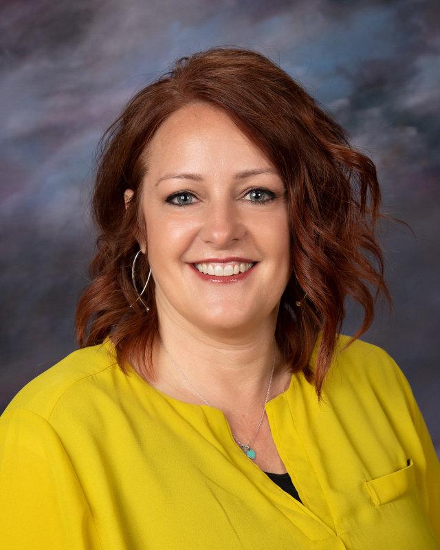 Kami Larsen : Secretary