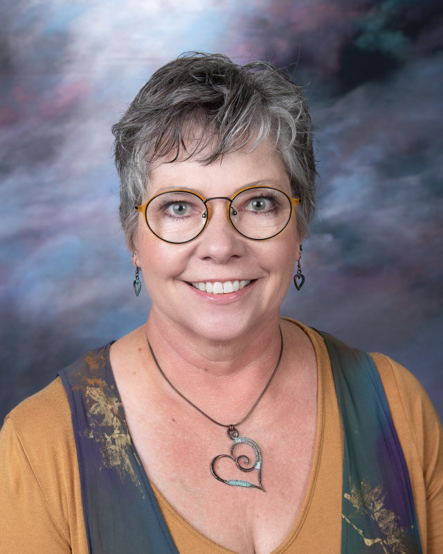 Lisa Stolen : Teacher