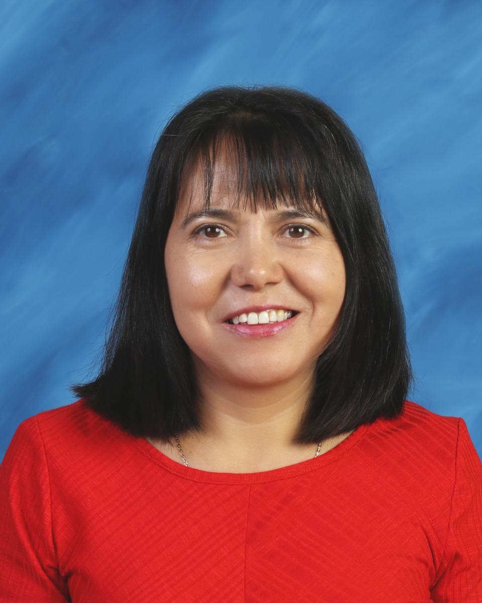 Merced Carreon : First Grade Teacher