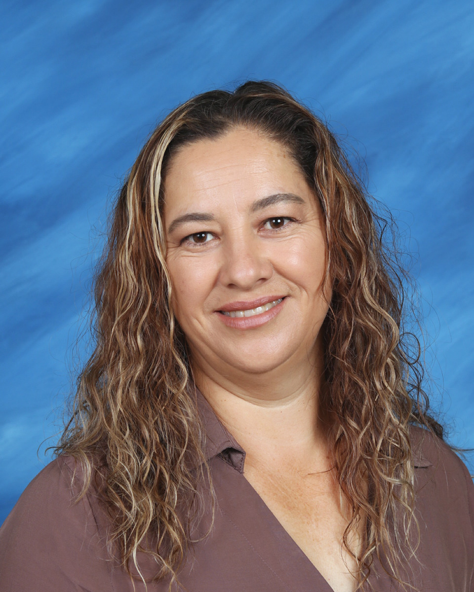 Laura Alatorre : Pre-School Teacher