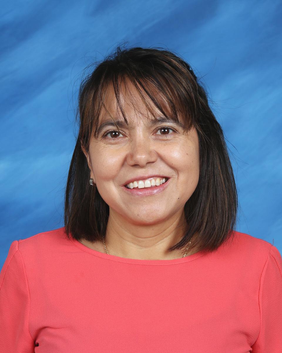 Merced Carreon : First Grade Teacher