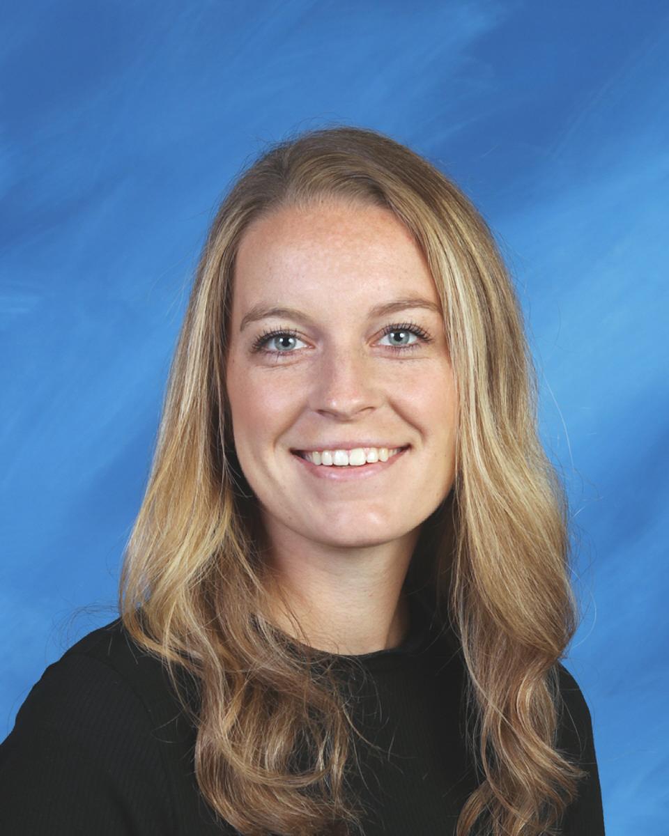 Danielle Simkins : Student Teacher