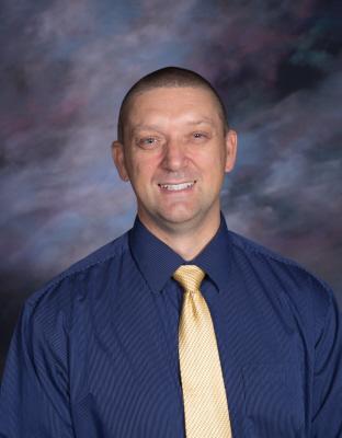 Brad Bench : Principal