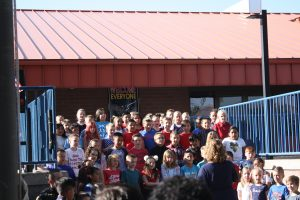 3rd grade students singing patriotic songs