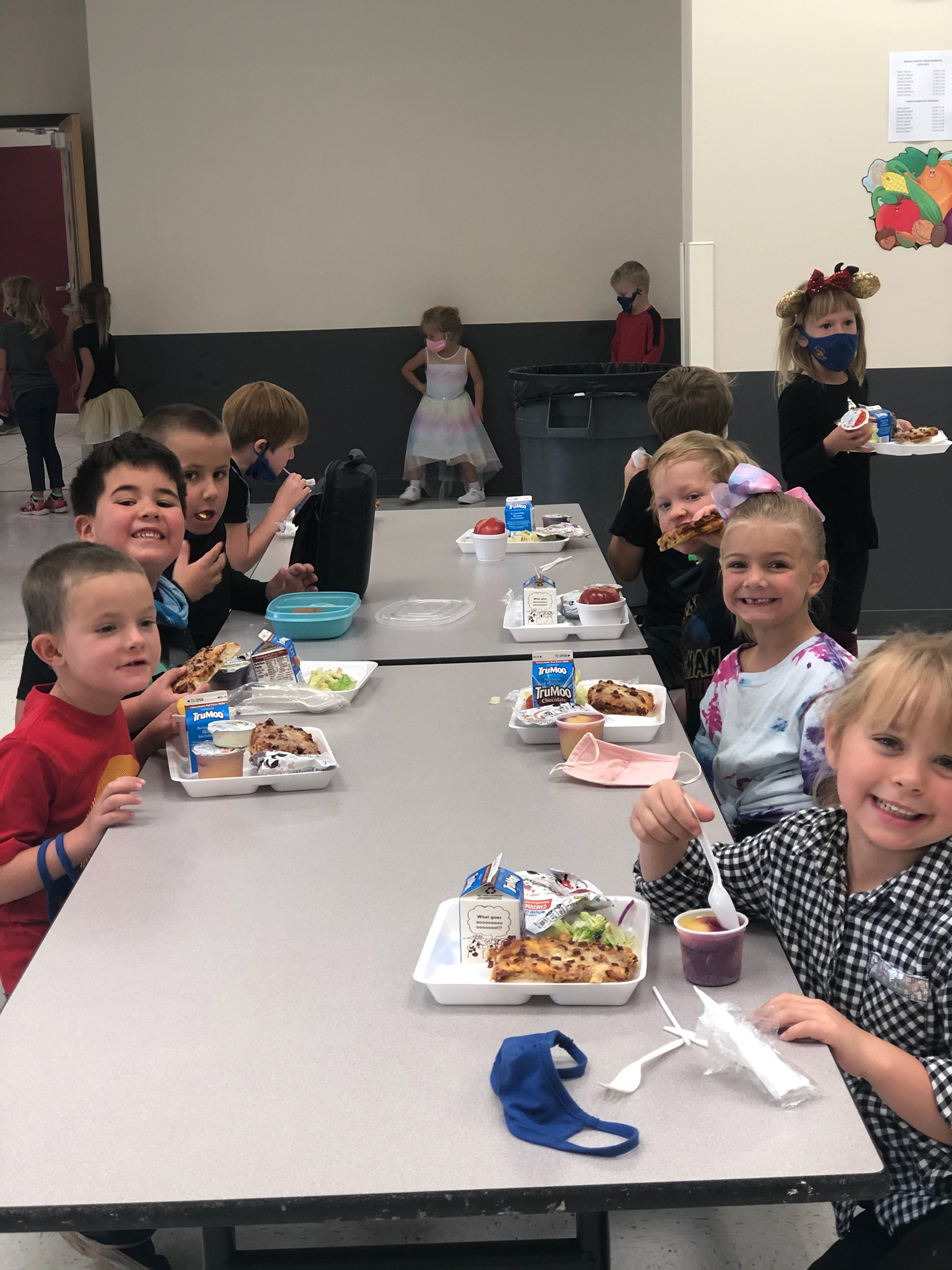 First Graders At Lunch 2