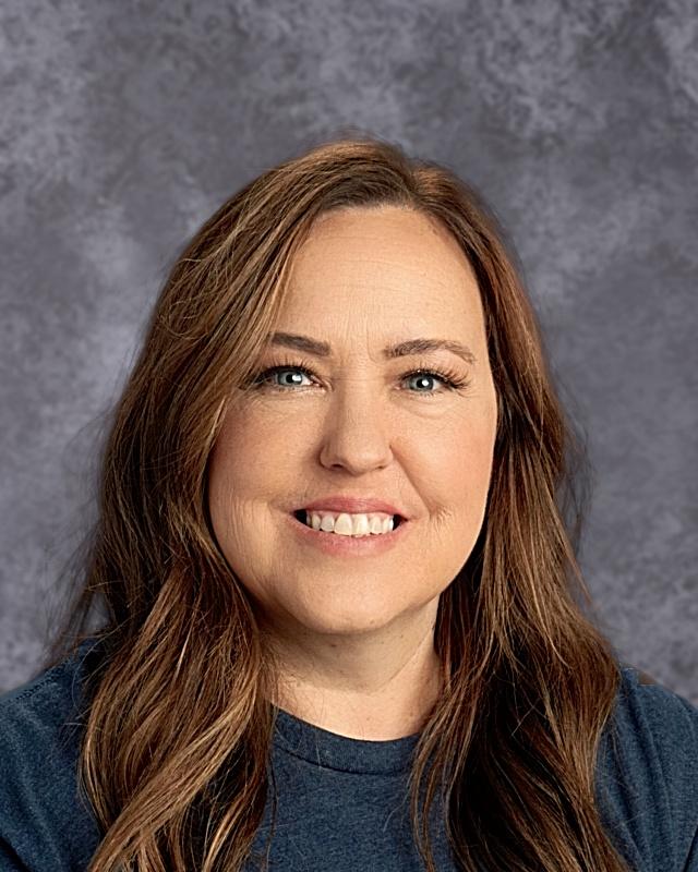 April Grossman : Kitchen Manager